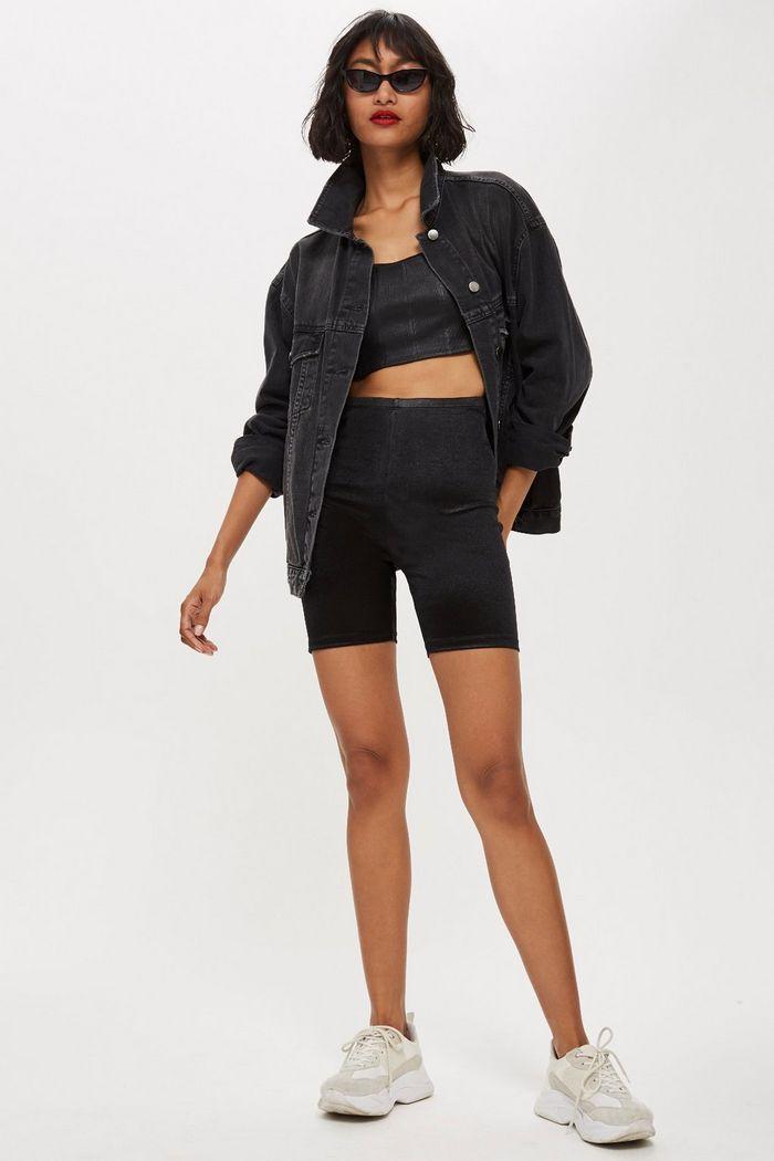 black-shorts-cycling-white-shoe-sneakers-sun-brun-black-crop-top-black-jacket-jean-spring-summer-weekend.jpg