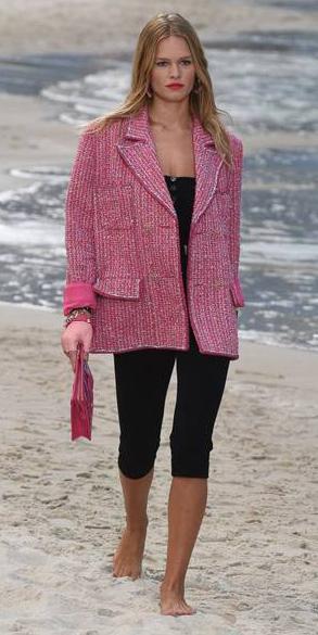 black-shorts-cycling-bike-pink-magenta-jacket-lady-tweed-oversized-blonde-runway-spring-summer-lunch.jpg