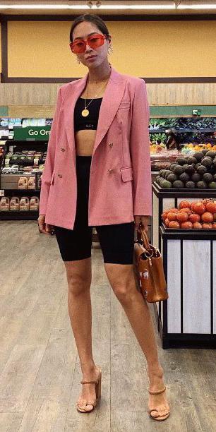 black-shorts-cycling-bike-pink-light-jacket-blazer-black-bralette-necklace-sun-brun-cognac-bag-cognac-shoe-sandalh-trend-spring-summer-lunch.jpg