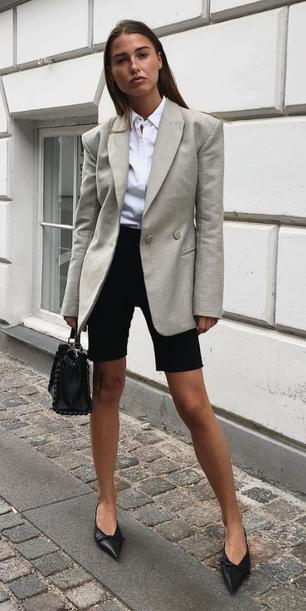 black-shorts-cycling-bike-white-collared-shirt-tan-jacket-blazer-hairr-black-bag-black-shoe-pumps-spring-summer-work.jpg
