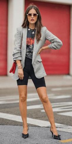black-shorts-cycling-bike-black-graphic-tee-grayl-jacket-blazer-necklace-hairr-sun-red-bag-black-shoe-pumps-fall-winter-lunch.jpg