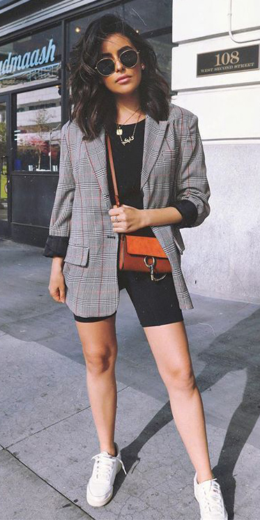black-shorts-cycling-bike-cognac-bag-necklace-brun-sun-grayl-jacket-blazer-white-shoe-sneakers-spring-summer-lunch.jpg