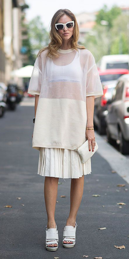 white-aline-skirt-white-top-white-bralette-sheer-mesh-sun-blonde-white-shoe-sandalh-white-bag-clutch-pleat-mono-italy-howtowear-fashion-style-outfit-spring-summer-lunch.jpg