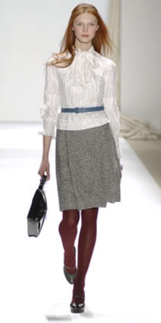 grayl-aline-skirt-white-top-blouse-black-bag-black-shoe-pumps-bow-wear-style-fashion-fall-winter-belt-burgundy-tights-runway-office-trend-hairr-work.jpg
