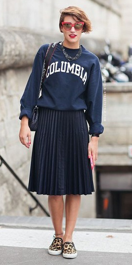 black-aline-skirt-pleated-blue-navy-sweater-sweatshirt-graphic-sun-hairr-tan-shoe-sneakers-leopard-print-fall-winter-lunch.jpg