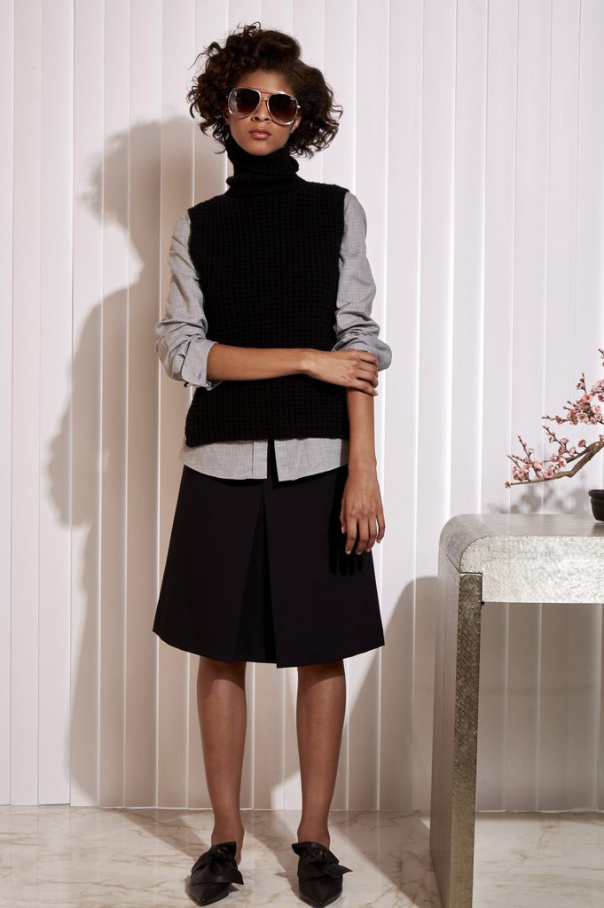 black-aline-skirt-blue-light-collared-shirt-layer-black-sleeveless-sweater-sun-brun-black-shoe-flats-slides-fall-winter-lunch.jpg