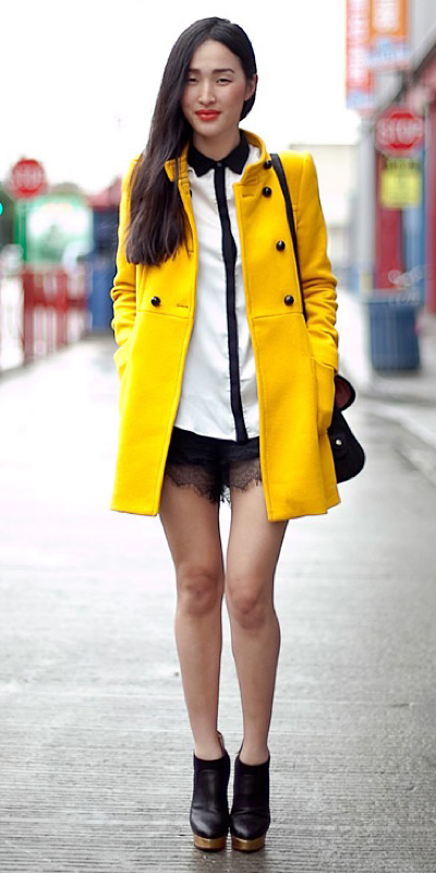how-to-style-black-shorts-silk-lace-white-top-blouse-yellow-jacket-coat-brun-black-shoe-booties-fall-winter-fashion-lunch.jpg