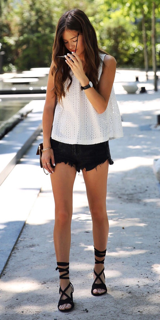how-to-style-black-shorts-white-cami-hairr-black-shoe-sandalh-watch-spring-summer-fashion-lunch.jpg