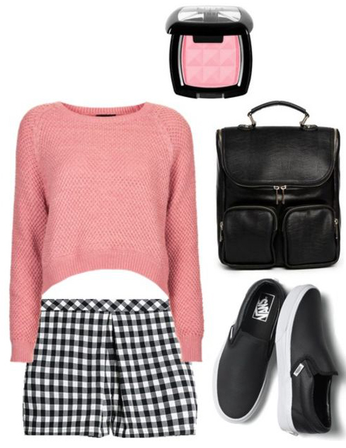 black-shorts-r-pink-light-sweater-crop-howtowear-fashion-style-outfit-spring-summer-black-shoe-sneakers-black-bag-pack-gingham-print-weekend.jpg