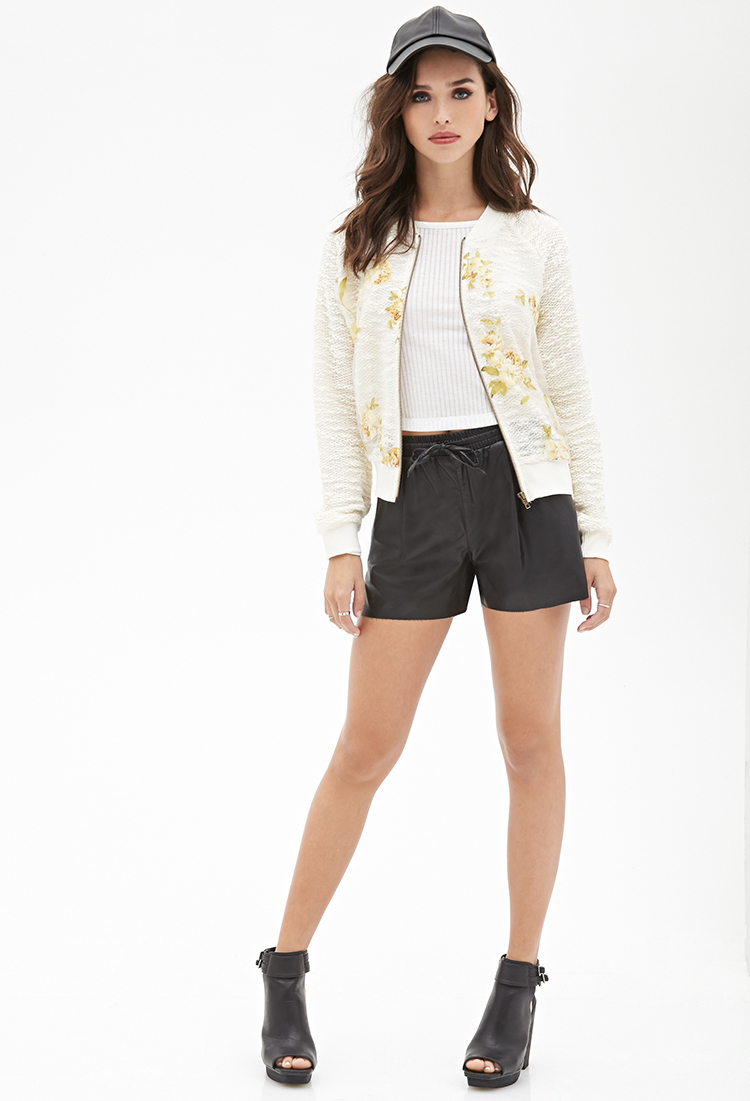 black-shorts-white-tee-forever21-white-jacket-bomber-black-shoe-sandalw-hat-cap-leather-howtowear-fashion-style-outfit-spring-summer-brun-weekend.jpeg