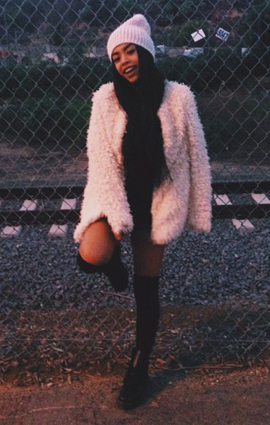 black-shorts-r-pink-light-jacket-coat-fur-fuzz-howtowear-fashion-style-outfit-fall-winter-black-scarf-beanie-black-shoe-booties-knee-socks-dinner-brun.jpg