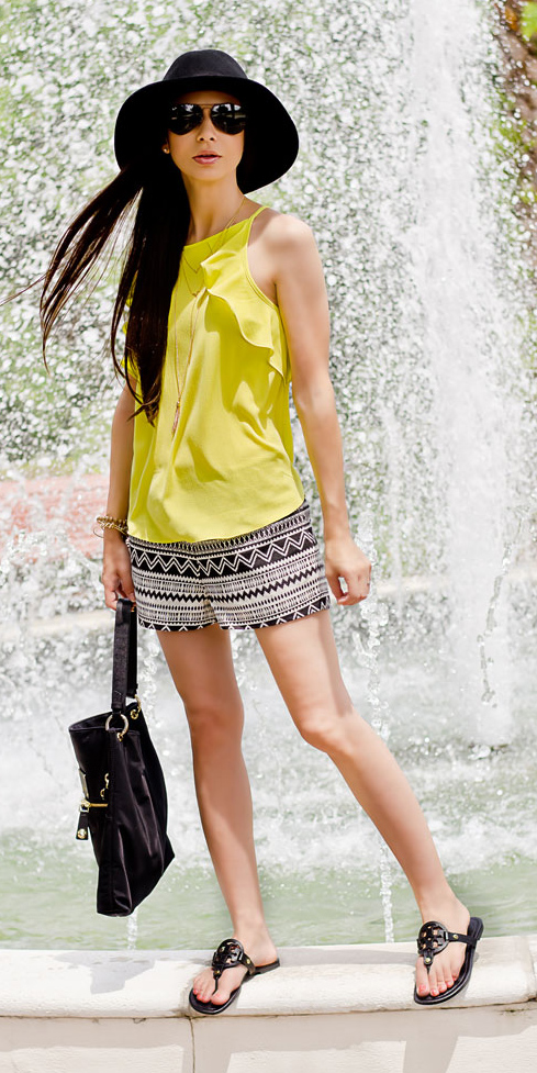 white-shorts-print-hat-sun-brun-black-shoe-sandals-black-bag-yellow-cami-spring-summer-weekend.jpg