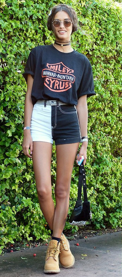 white-shorts-black-graphic-tee-choker-brun-sun-black-bag-fannypack-tan-shoe-booties-timberland-socks-spring-summer-weekend.jpg