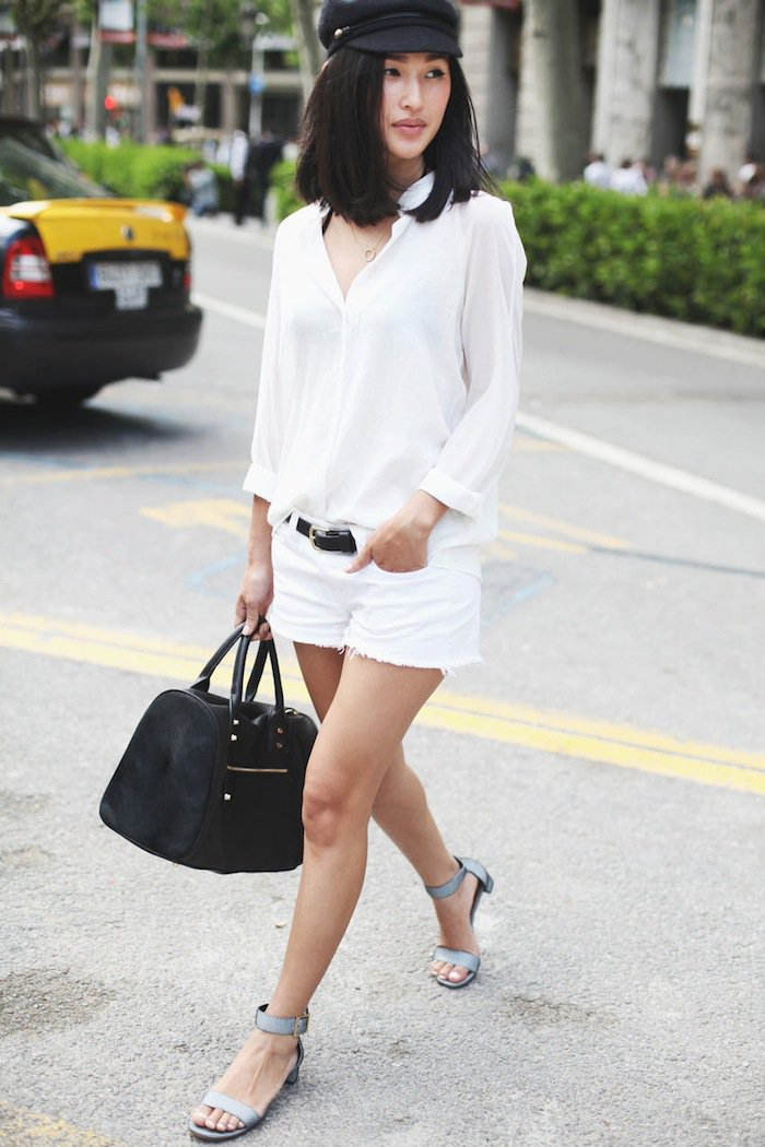white-shorts-white-collared-shirt-belt-blue-shoe-sandals-black-bag-hat-newsboy-howtowear-fashion-style-spring-summer-outfit-brun-weekend.jpg