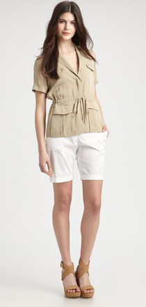 white-shorts-o-tan-jacket-utility-howtowear-fashion-style-outfit-spring-summer-tan-shoe-sandalw-bermuda-brun-lunch.jpeg