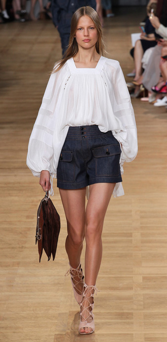 blue-navy-shorts-denim-white-top-blouse-peasant-brown-bag-tan-shoe-sandalh-gladiator-blonde-runway-spring-summer-lunch.jpg