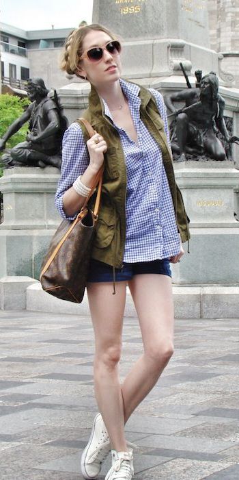 blue-navy-shorts-blue-med-collared-shirt-gingham-print-white-shoe-sneakers-blonde-sun-braid-brown-bag-tote-bracelet-spring-summer-weekend.jpg