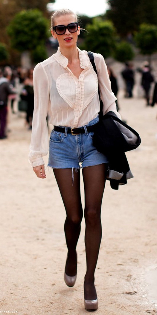 blue-med-shorts-denim-belt-white-top-blouse-black-bralette-sun-blonde-black-tights-tan-shoe-pumps-fall-winter-lunch.jpg