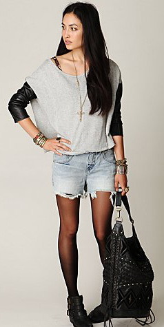 blue-light-shorts-grayl-tee-slouchy-necklace-pend-black-tights-black-shoe-booties-black-bag-freepeople-howtowear-fashion-style-outfit-fall-winter-brun-denim-weekend.jpg