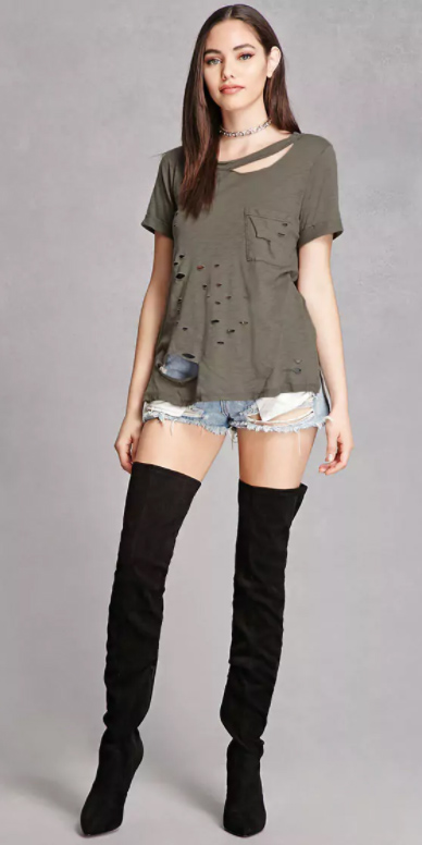 blue-light-shorts-denim-green-olive-tee-choker-black-shoe-boots-otk-fall-winter-brun-lunch.jpg