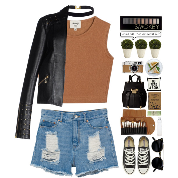 blue-light-shorts-denim-camel-crop-top-choker-black-jacket-moto-black-shoe-sneakers-sun-black-bag-pack-fall-winter-weekend.jpg
