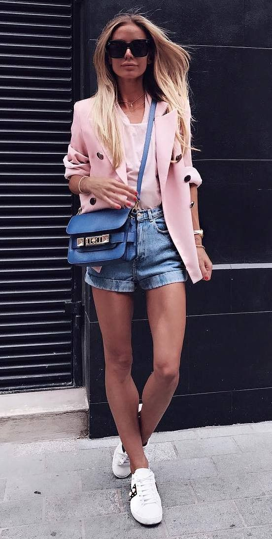 blue-light-shorts-denim-pink-light-jacket-blazer-blonde-sun-blue-bag-white-shoe-sneakers-spring-summer-weekend.jpg