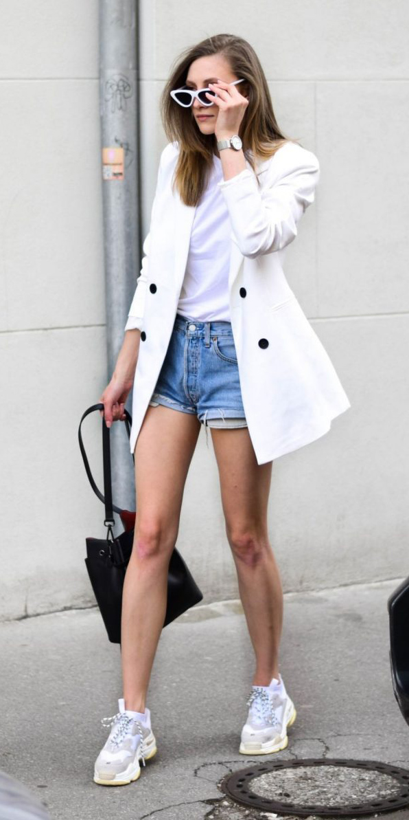 blue-light-shorts-denim-white-tee-white-jacket-blazer-black-bag-sun-blonde-white-shoe-sneakers-watch-spring-summer-weekend.jpg