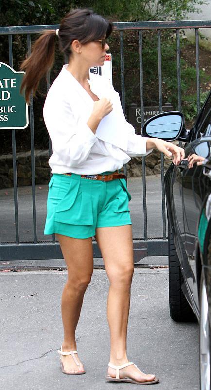 green-emerald-shorts-belt-white-collared-shirt-white-shoe-sandals-pony-kourtneykardashian-howtowear-fashion-style-outfit-spring-summer-brun-weekend.jpg