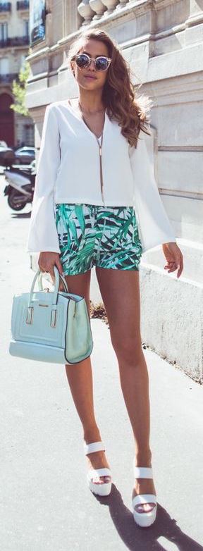 green-emerald-shorts-white-top-blouse-necklace-green-bag-mint-print-sun-white-shoe-sandalw-howtowear-fashion-style-spring-summer-outfit-hairr-lunch.jpg