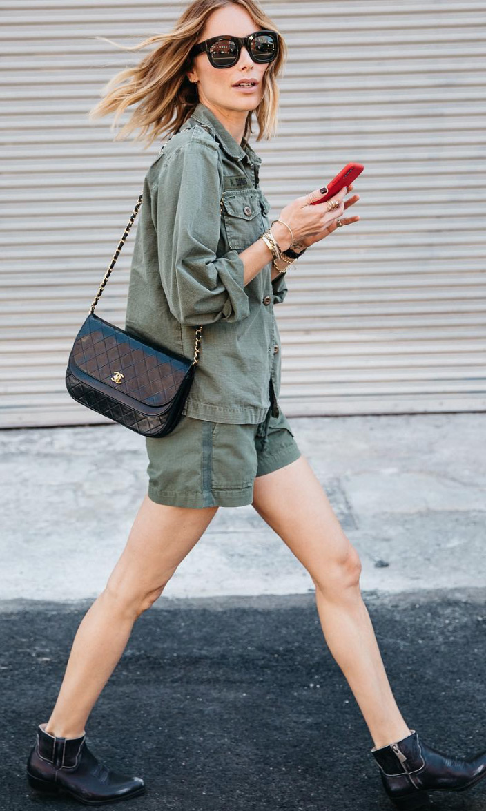 how-to-style-green-olive-shorts-black-bag-blonde-lob-sun-green-olive-jacket-utility-black-shoe-booties-army-fall-winter-fashion-weekend.jpg