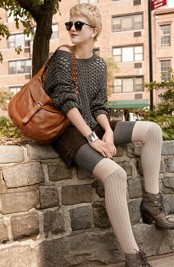 o-brown-shorts-o-brown-sweater-gray-tights-socks-layer-cognac-bag-hobo-sun-brown-shoe-booties-howtowear-fashion-style-outfit-fall-winter-blonde-lunch.jpg