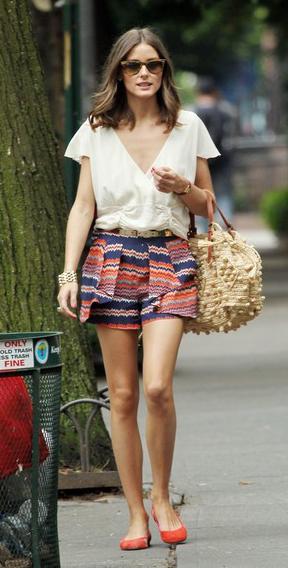 orange-shorts-white-top-blouse-ruffle-howtowear-fashion-style-outfit-spring-summer-oliviapalermo-print-silk-orange-shoe-flats-tan-bag-sun-hairr-lunch.jpg