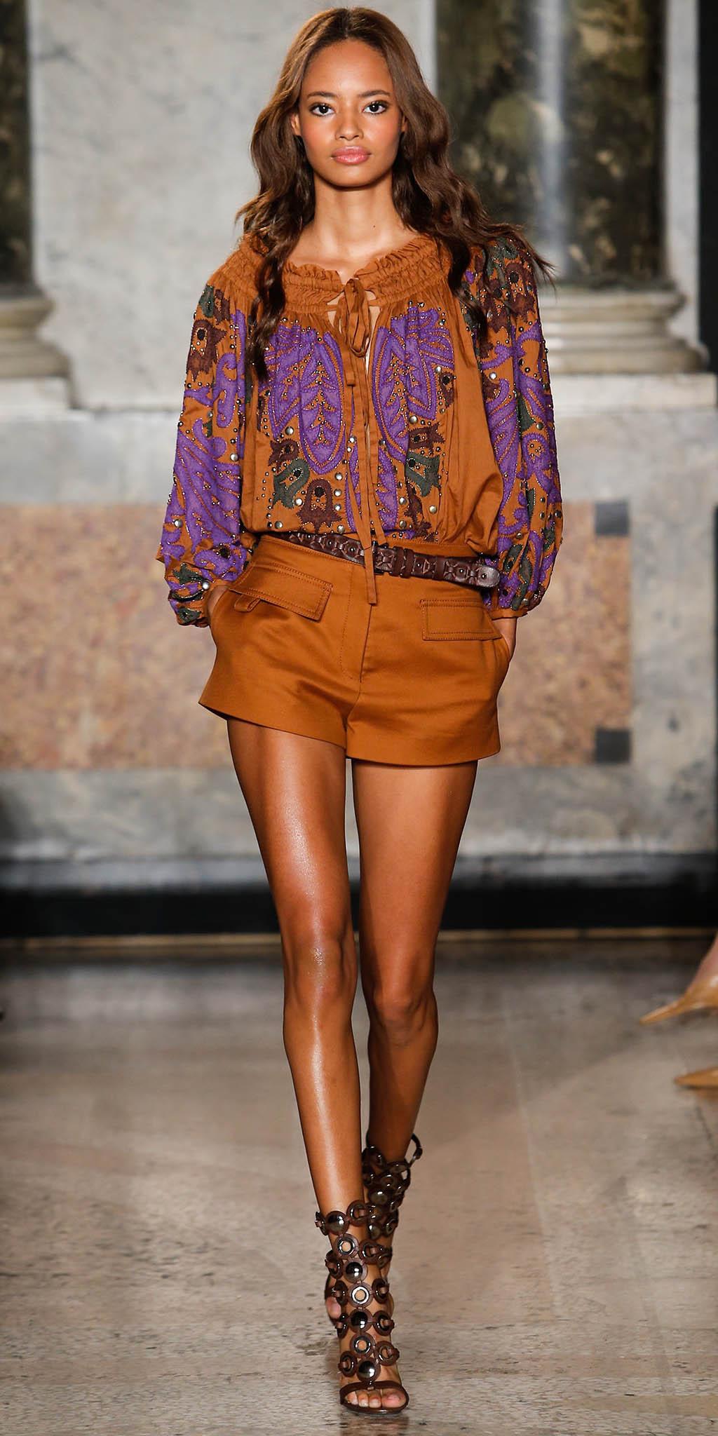 camel-shorts-belt-camel-top-blouse-peasant-brown-shoe-sandalh-brun-spring-summer-lunch.jpg