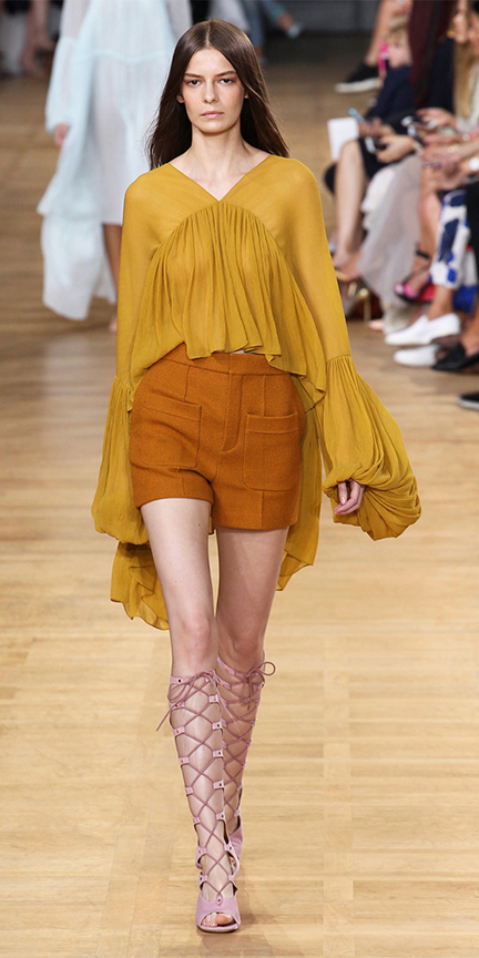camel-shorts-yellow-top-blouse-peasant-bellsleeves-pink-shoe-sandalh-gladiators-spring-summer-hairr-lunch.jpg