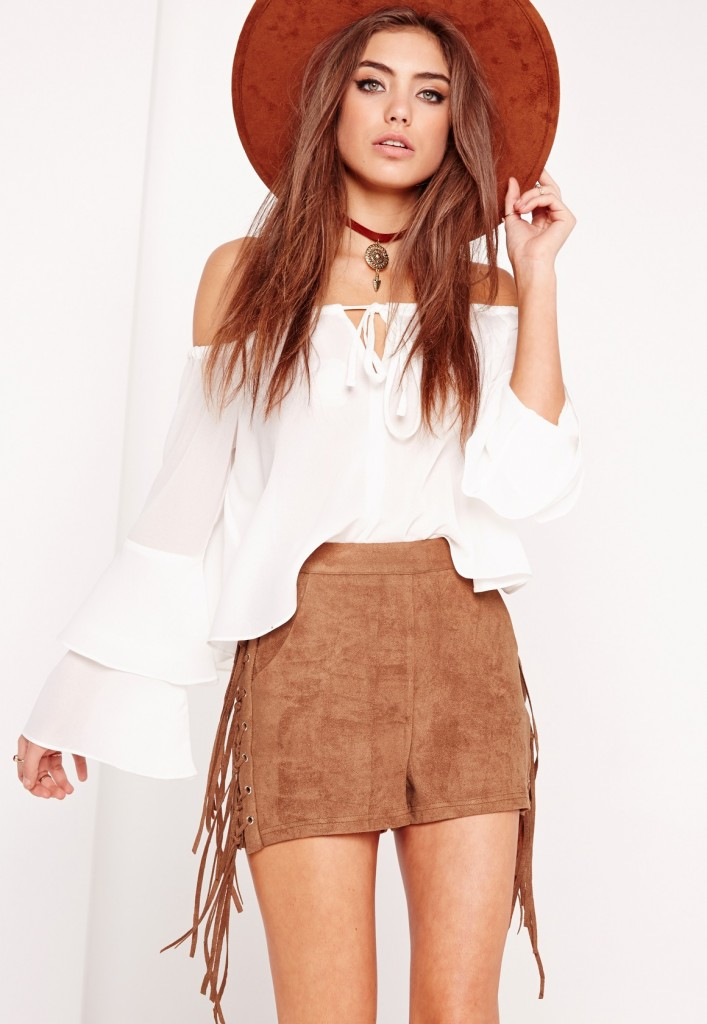 o-camel-shorts-white-top-offshoulder-peasant-choker-hat-suede-howtowear-fashion-style-outfit-spring-summer-hairr-weekend.jpg