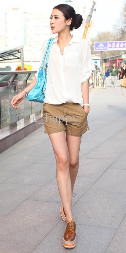 o-tan-shorts-white-collared-shirt-bun-howtowear-fashion-style-outfit-spring-summer-cognac-shoe-brogues-blue-bag-brun-lunch.jpg
