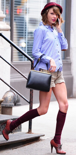 tan-shorts-blue-light-collared-shirt-hat-socks-cognac-shoe-booties-black-bag-romantic-girly-taylorswift-fall-winter-blonde-lunch.jpg