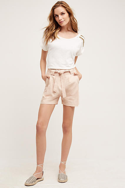 o-tan-shorts-white-tee-white-shoe-flats-howtowear-fashion-style-outfit-spring-summer-hairr-weekend.jpg