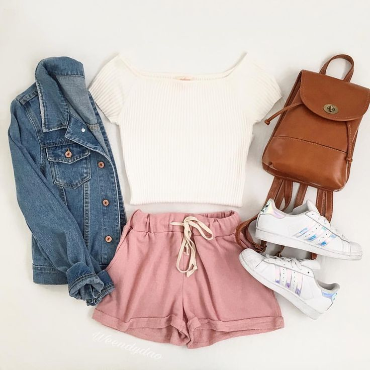 r-pink-light-shorts-white-tee-crop-white-shoe-sneakers-blue-med-jacket-jean-cognac-bag-pack-sweat-howtowear-fashion-style-spring-summer-outfit-weekend.jpg