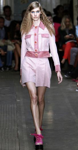 pink-light-shorts-pink-light-jacket-howtowear-fashion-spring-summer-match-magenta-shoe-sandalw-match-suit-runway-hairr-lunch.jpg