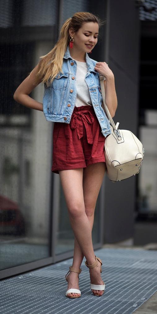 red-shorts-white-shoe-sandalh-earrings-hairr-pony-blue-light-vest-jean-white-bag-white-tee-spring-summer-lunch.jpg