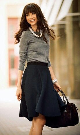 blue-navy-aline-skirt-grayl-sweater-black-bag-brun-howtowear-fashion-style-outfit-fall-winter-pearl-necklace-aline-work.jpg