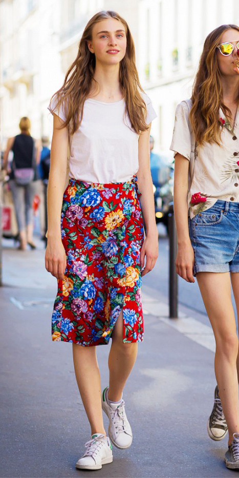 red-aline-skirt-white-tee-floral-white-shoe-sneakers-howtowear-style-fashion-spring-summer-hairr-weekend.jpg