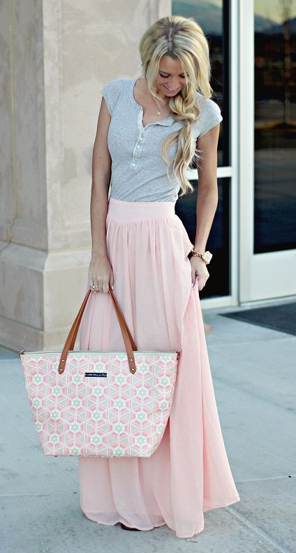 pink-light-maxi-skirt-grayl-tee-pink-bag-tote-blonde-braid-spring-summer-weekend.jpg