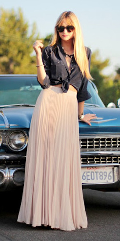 black-collared-shirt-blonde-sun-pleat-pink-light-maxi-skirt-fall-winter-lunch.jpg