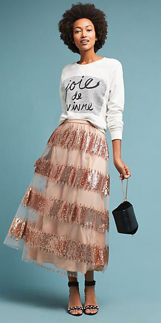 white-sweater-sweatshirt-graphic-brun-black-bag-black-shoe-sandalh-stripe-pink-light-maxi-skirt-fall-winter-dinner.jpg