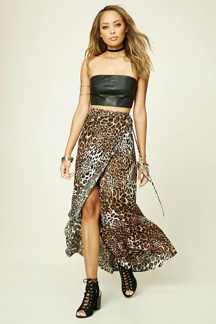 o-tan-maxi-skirt-black-top-crop-bustier-wear-style-fashion-spring-summer-black-shoe-sandals-leopard-leather-choker-hairr-dinner.jpg