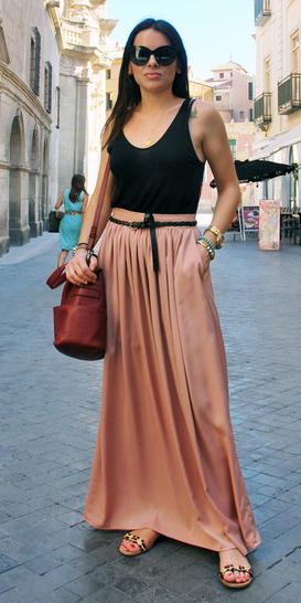 peach-maxi-skirt-belt-black-top-tank-brun-sun-spring-summer-weekend.jpg