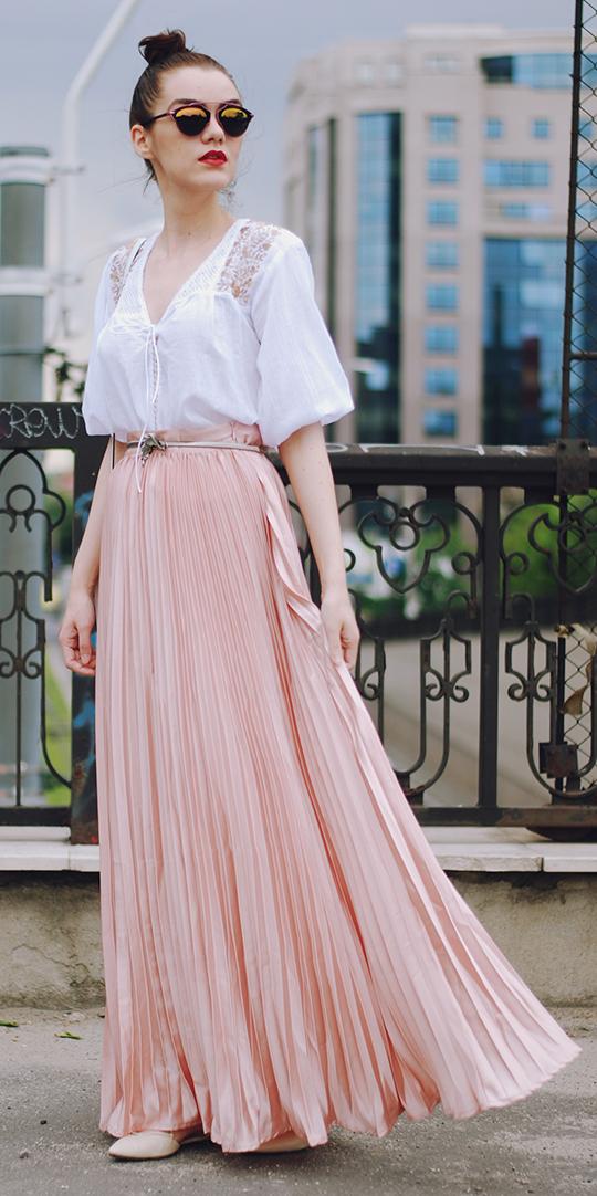 white-top-blouse-bun-sun-hairr-peach-maxi-skirt-spring-summer-lunch.jpg