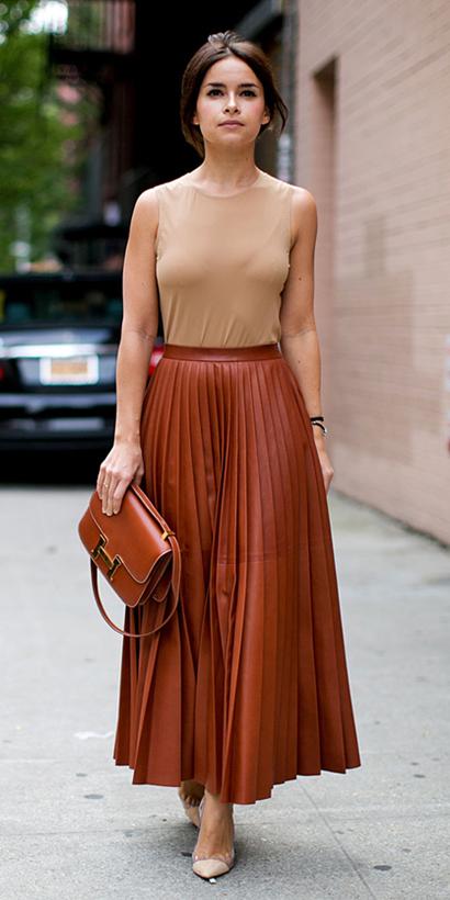 tan-top-tonal-brun-cognac-bag-tan-shoe-pumps-pleat-leather-camel-maxi-skirt-spring-summer-dinner.jpg